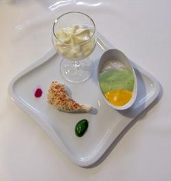 Ein Teller mit Smooth Food-Variationen